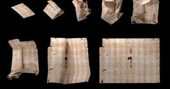 رسالة ورقية عمرها 300 عام ..  كشف مضمونها دون فتحها