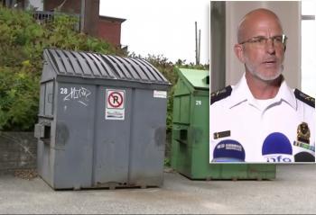 خطأ فادح ..  الشرطة الكندية تلقي جثة امرأة في حاوية القمامة