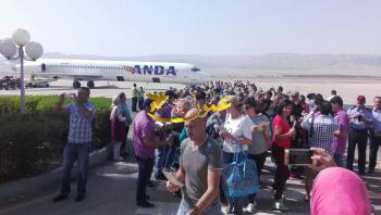 هبوط أول طائرة سياح أوكرانية في العقبة (صور)