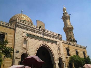 مصر تسمح بعودة إقامة صلاة الجنازة في المساجد