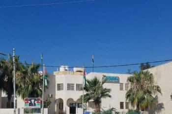 عطاء صادر عن بلدية برقش