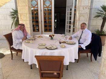 السفيران السعودي والامريكي افطرا معًا