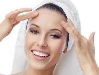 من التجاعيد إلى الطفح الجلدي  .. هكذا يؤثر التوتر على بشرتك فانتبهي