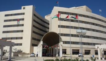 3 اصابات جديدة بكورونا في مستشفى الزرقاء ..  وعزل عمارات