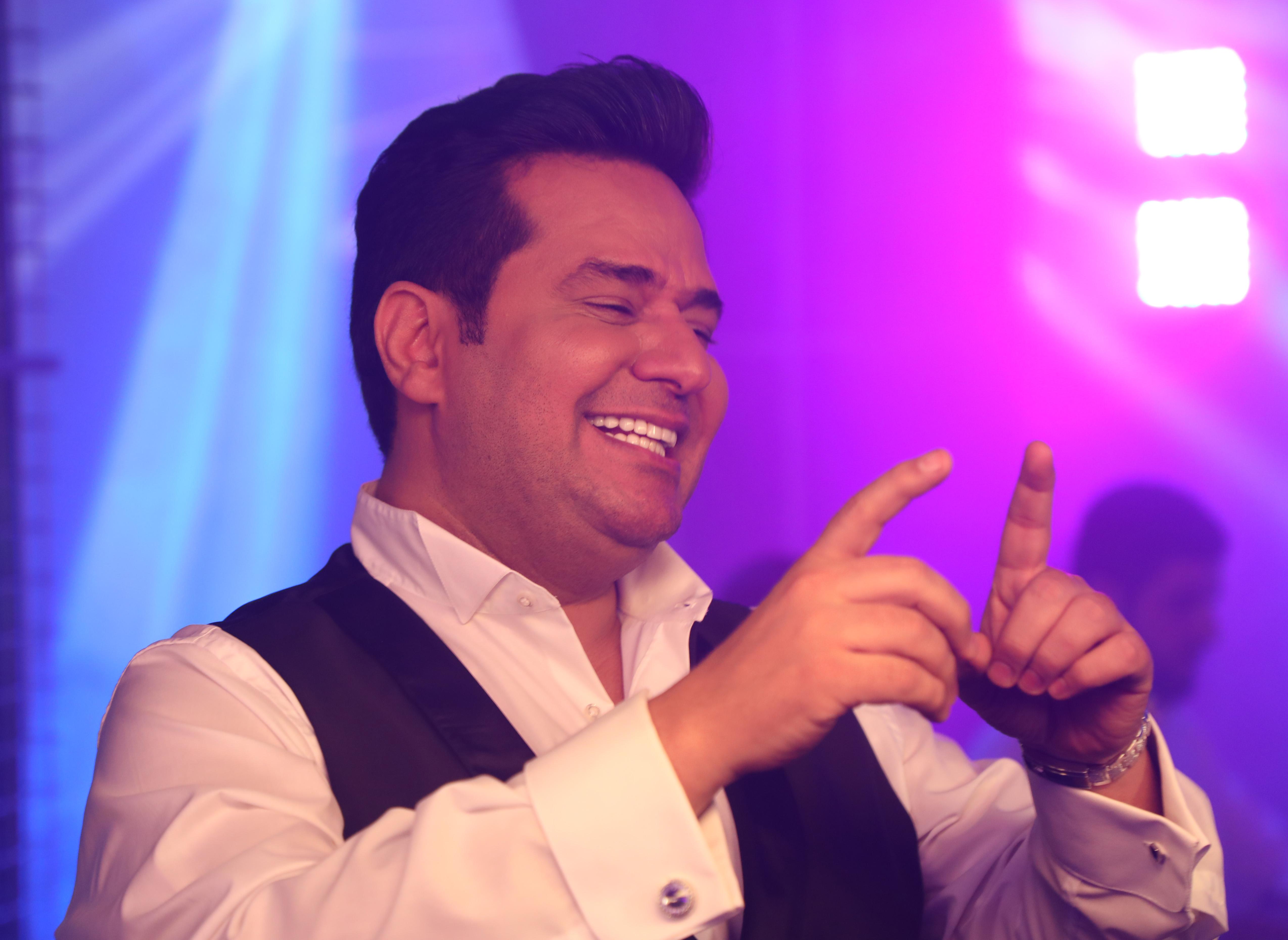 حاتم العراقي يصوّر أول تعاوناته مع الموسيقار طلال