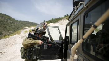 الاحتلال يعتقل شخصين تسللا من لبنان إلى الجليل
