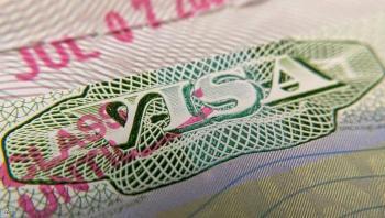 بايدن يدرس زيادة تأشيرات برنامج الهجرة إلى الضعف