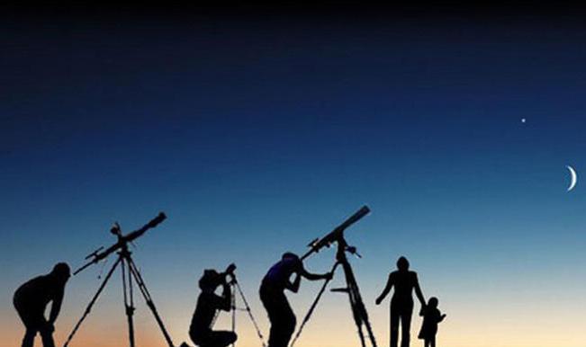 هلال شوال يظهر بسماء عمان بالتصوير الفلكي
