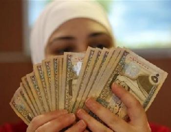 شمول 1218 أسرة جديدة بالمعونة المالية المتكررة في آب
