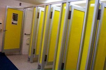 السماح بإعادة فتح غرف الاستحمام والغيار في المراكز الرياضية