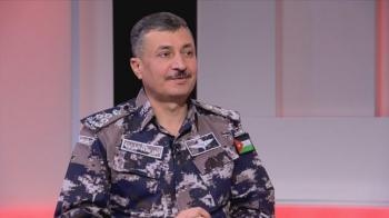 مدير الدفاع المدني يكرم الوكيل عزيز العنزي