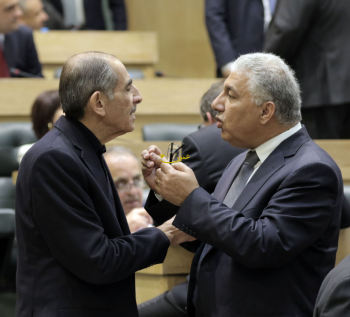 منح وزير الداخلية صلاحية اعطاء إذن اقامة لأبناء الأردنيات