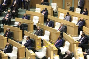 مذكرة نيابية تطالب الحكومة بتثبيت عمال المياومة