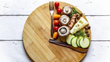 بدائل غذائية صحية لفقدان الوزن ..  منها استبدال الصودا بالماء