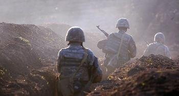 استمرار القتال بين أذربيجان وأرمينيا وسقوط عشرات القتلى