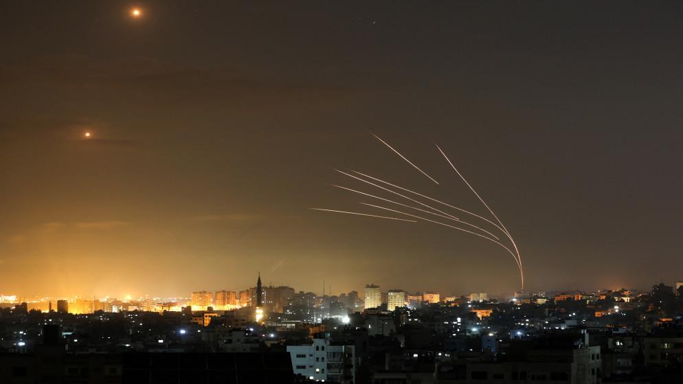 طائرات الاحتلال الإسرائيلي تدمر بنك الإنتاج بغزة