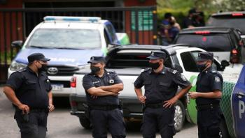 أرجنتيني يختطف فتاة ويحبسها 23 عاما