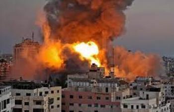 الداخلية في غزة: طائرات الاحتلال دمرت مقر الوزارة بالكامل