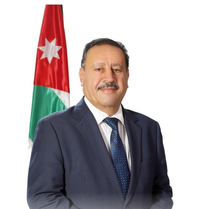 النائب السابق جمال قموه