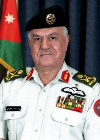 الحنيطي يستقبل قائد مشاة البحرية في القيادة المركزية الأميركية