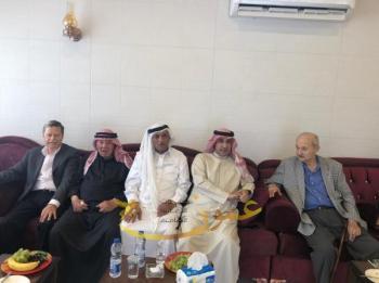 السفير الكويتي بديوان السيد خلف حامد السواعير