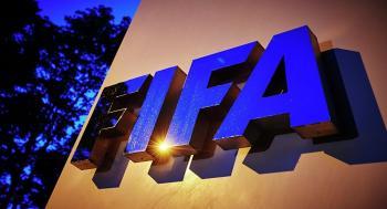 فيفا: تراجع انتقالات اللاعبين حول العالم لأول مرة في عقد من الزمن