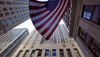 ثقة المستهلك الأمريكي تقفز لأعلى مستوى في أكثر من عام