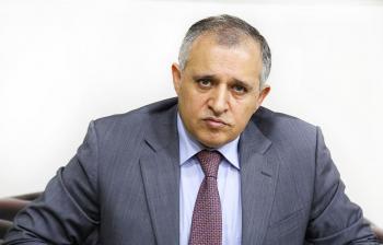 قطامين يرفع الحظر عن متابعي منصات وزارته