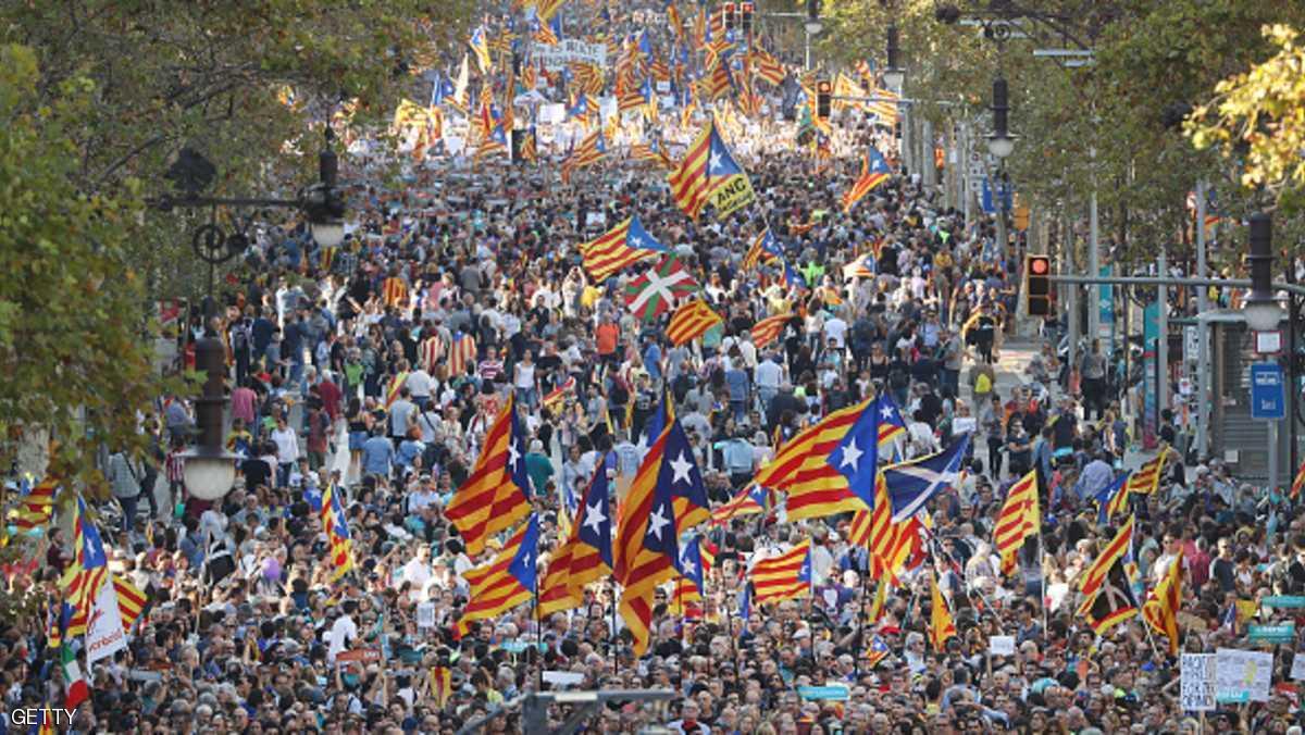 مظاهرات عارمة في برشلونة