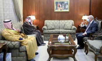 الفايز يلتقي السفير الكويتي والقائم باعمال السفارة السورية لدى المملكة