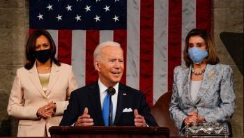 سابقة في تاريخ أمريكا ..  امرأتان قويتان تحيطان بالرئيس