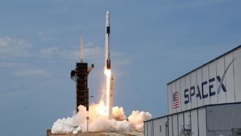 سبيس إكس تؤجل إطلاق 60 قمرا صناعيا