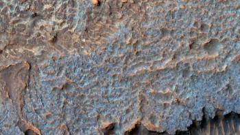 رصد تلال غامضة على المريخ تثير حيرة علماء ناسا