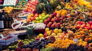 صحتك العقلية بين يديك ..  والسر في الفواكه والخضراوات