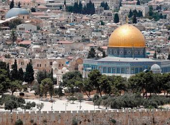 فلسطين النيابية تدين الاستفزازات التي يقوم بها المستوطنون في الأقصى