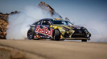 رياضي ريد بُل أحمد دحام يطلق سيارة الدرِفت الأكثر تطوراً في العالم