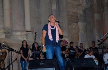 عمر العبداللات يرسم الفرح  في إفتتاح مهرجان جرش