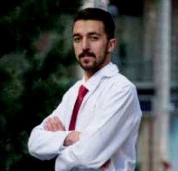 الطالب الصيدلاني محمد الريالات من عمان الاهلية في  ازرع