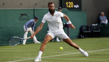 تحذير لاعب التنس الفرنسي بيير من التخاذل ..  وجماهير ويمبلدون مستاءة من تصرفاته