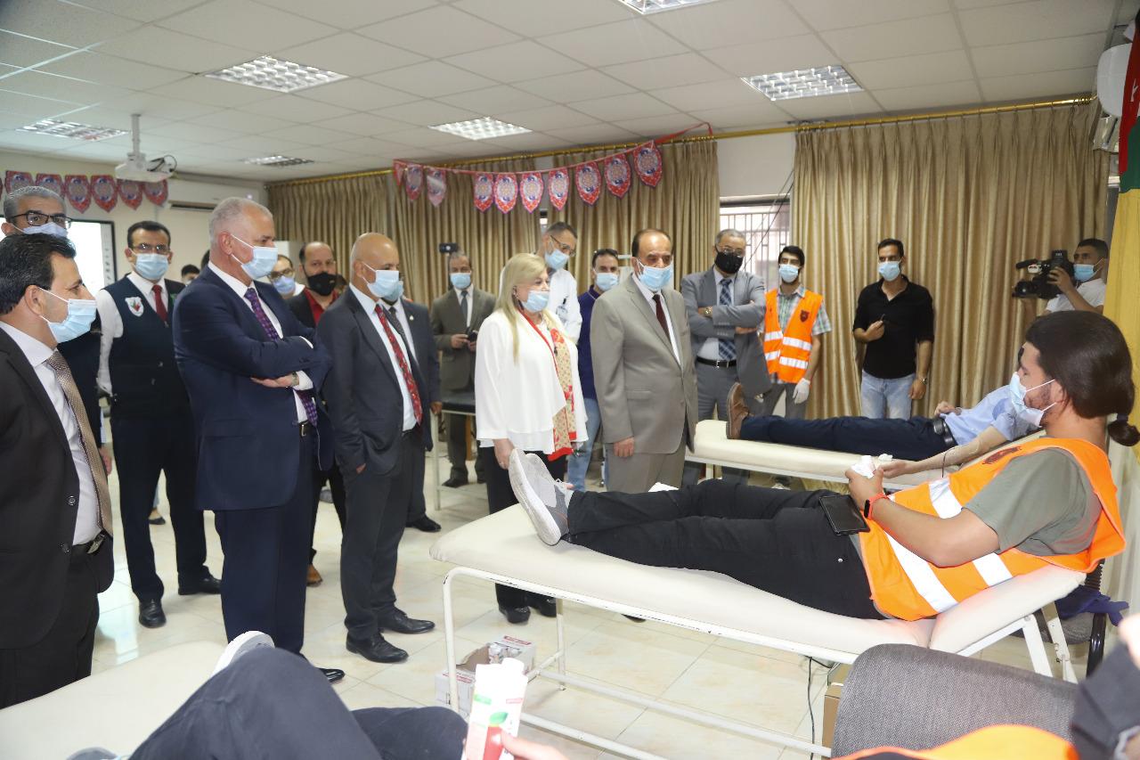 تنمية وخدمة المجتمع في الأردنية ينظم حملة للتبرع بالدم لفلسطين