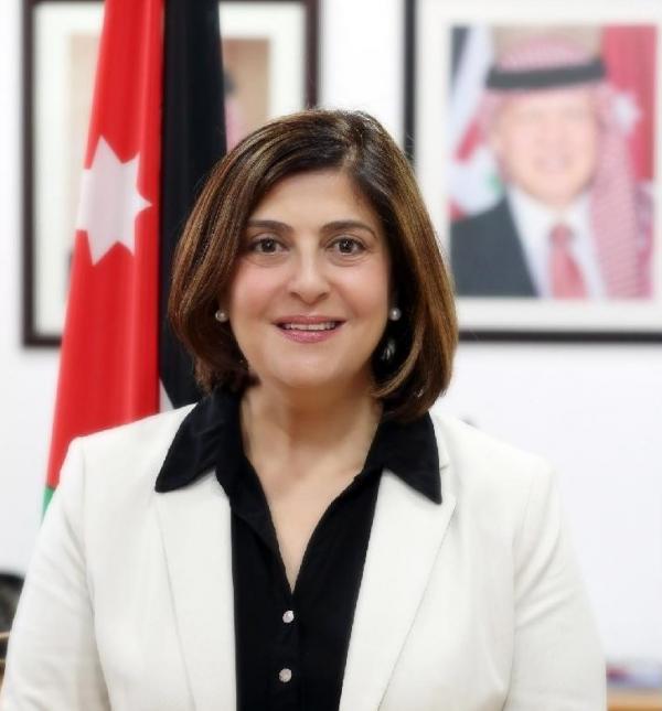 وزير التخطيط والتعاون الدولي السابق الدكتورة ماري كامل قعوار