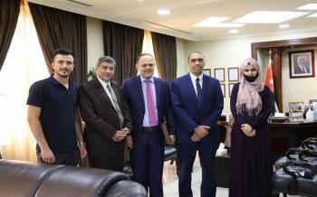 رئيس جامعة الزيتونة الأردنية يلتقي نائب رئيس البعثة العراقية