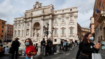 وفيات كورونا في إيطاليا تتجاوز 127 ألف حالة