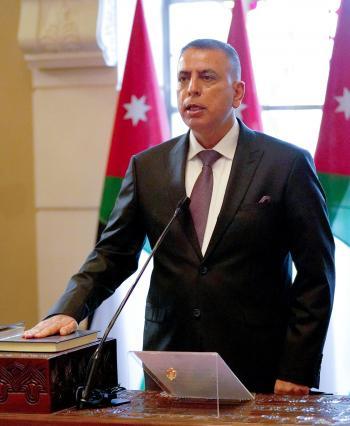 عشيرة الفراية تهنئ وزير الداخلية بالثقة الملكية السامية