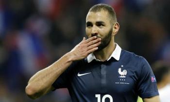رسميا ..  بنزيما يعود لفرنسا في يورو 2020