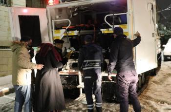 الدفاع المدني يجلي 972 شخصاً علقوا بالثلوج