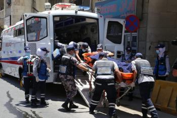 7 إصابات بتصادم شاحنة ومركبة في الأغوار الجنوبية