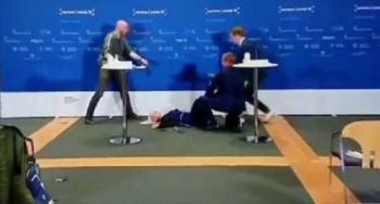إغماء مديرة الوكالة الدنماركية للأدوية خلال مؤتمر صحفي عن كورونا