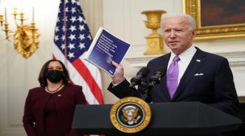 فرض حجر صحي على الوافدين جواً إلى الولايات المتحدة