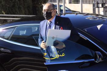 دودين: مسؤول عن سكرتيرة و3 موظفين ومادح نفسه كذاب
